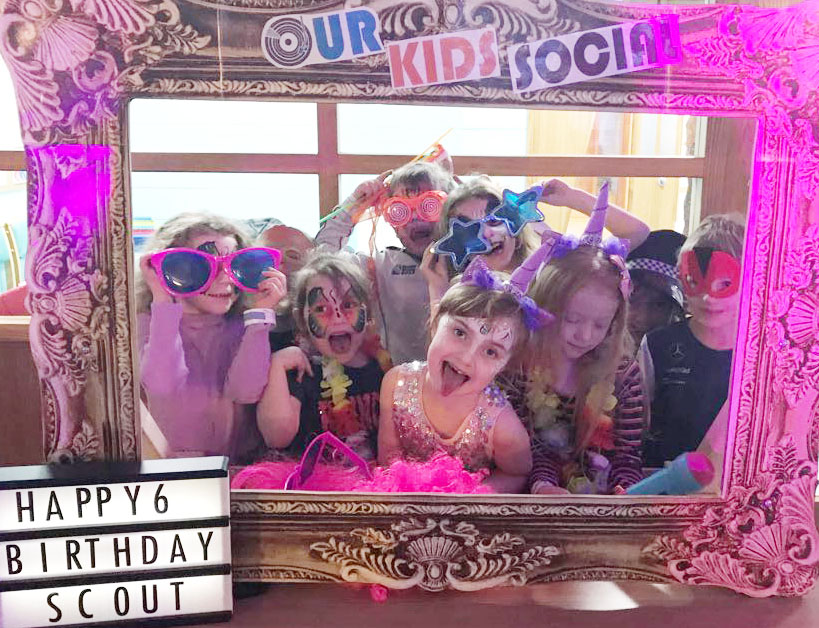 Kids party photoframe